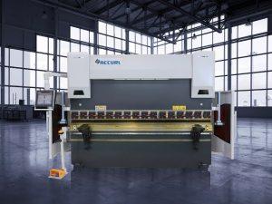 135 tonų CNC hidraulinis prispaudimo stabdys