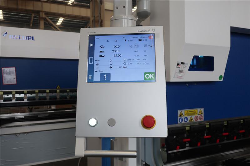 """CybTouch 12 PS 2D CNC"" sistema"