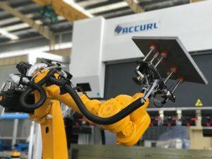 Robotų lenkimo sistema automatiniam lakštinio metalo roboto spaudos stabdžiui