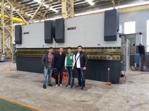 Vietnamo klientai aplanko mūsų gamyklą