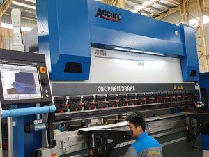 metalinis rėmas cnc lakštinio metalo spaudos stabdžių mašina 300 tonų 6000mm / 4000mm