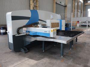 naudojamas CNC turėklų perforavimo presas